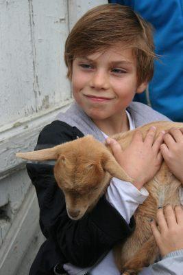 Un nouveau monde : Appel à Bénévoles pour aider Misha