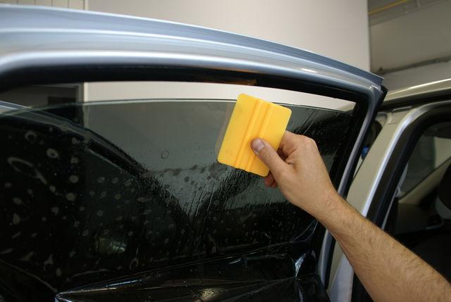 formation pose film vitre teintee sur mesure decoupe et thermoforme