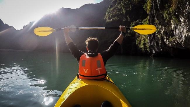 Ruta en kayak por Halong Bay
