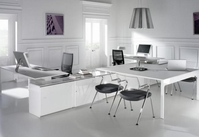 Mesas de oficina en Blanco  Solida Equipamiento Integral