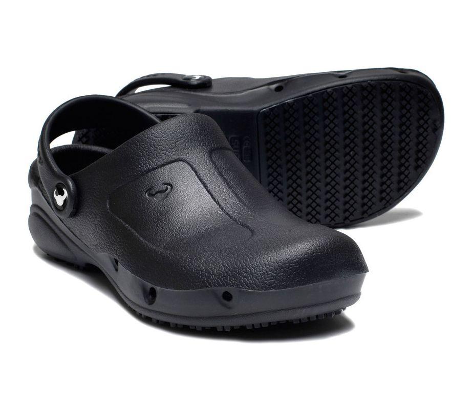 Zuecos sanitarios y de cocina negros zuecos suecos - Zapatos antideslizantes cocina ...
