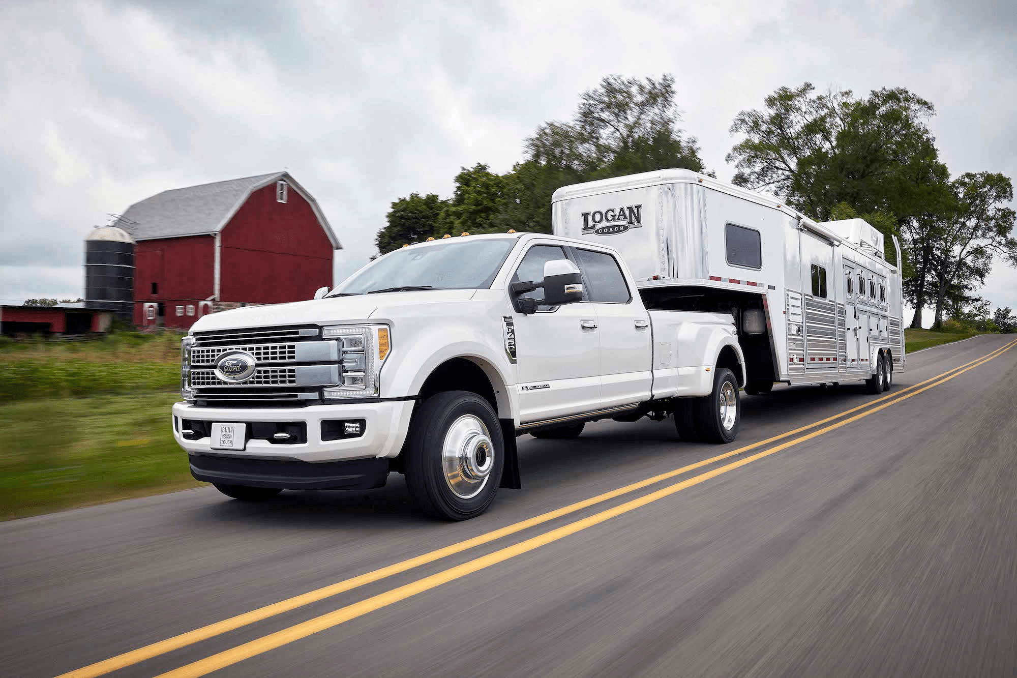 hight resolution of the 2017 ford f 450 platinum crew cab 4x4 class 3 dual rear
