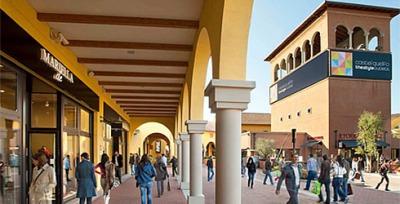 カステルグエルフォザ・スタイルアウトレットビレッジ、ボローニャの特徴