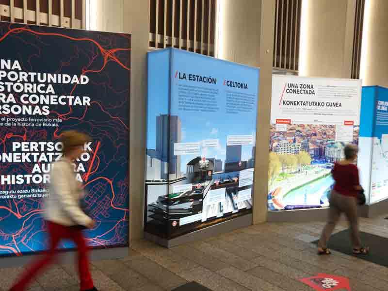 Exposición sobre la futura llegada del AVE a Bilbao