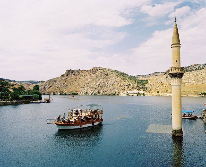 menara-masjid-bash-shawish-suasana-di-musim-panas
