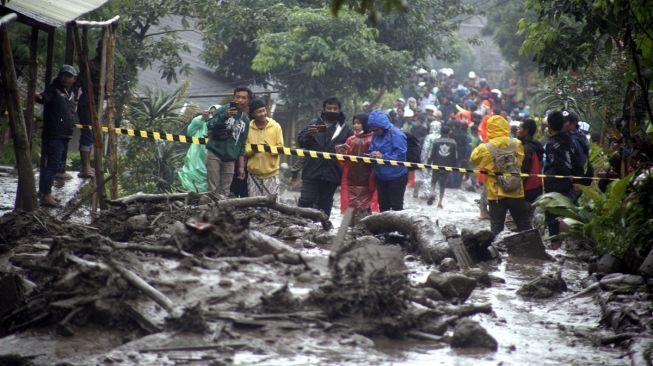 Skenario Terburuk: Lima Fenomena Cuaca Kepung Indonesia Bersamaan