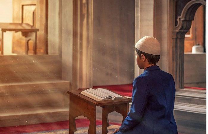 Menjelang penghujung Ramadhan, berikut ini 4 amalan utama yang bisa dilakukan di 10 malam terakhir.*