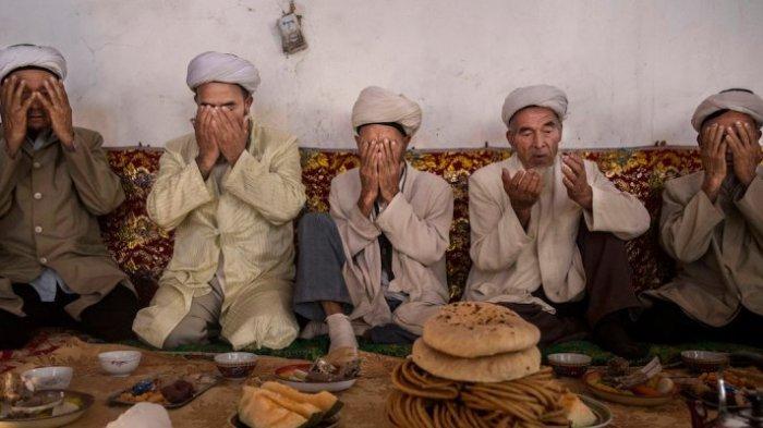 Muslim Uighur di Xinjiang, China ( Kevin Frayer/Getty Images)