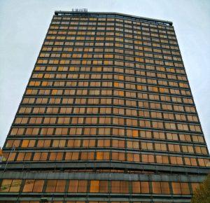 atower3-min  - Atower3 min 300x290 - A-Tower, la torre que nadie ve…