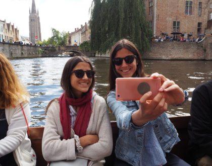 Paseo en barco por los canales de la 'Venecia del norte'  #Brujas