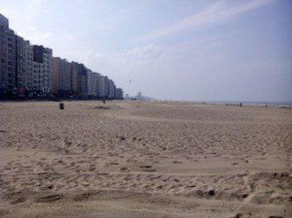 Vista de la playa de Ostende. El problema es que no siempre tenemos este buen tiempo Veraneando en Bélgica: Ostende y Blackenberge - 2014 09 15 13 - Veraneando en Bélgica: Ostende y Blackenberge