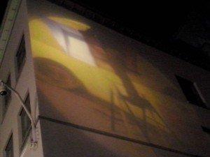 Rue des Chapeliers El arte urbano desconocido de Bruselas: Las proyecciones - Rue des Chapeliers 300x225 - El arte urbano desconocido de Bruselas: Las proyecciones