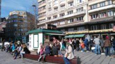 """Top """"friteries"""" de Bruselas - Friterie Flagey una de las esencias de la plaza 300x169 - Top """"friteries"""" de Bruselas"""
