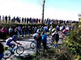 Ronde Van Vlaanderen (1) Ronde Van Vlaanderen, una carrera de 100 - Ronde Van Vlaanderen 1 300x225 - Ronde Van Vlaanderen, una carrera de 100