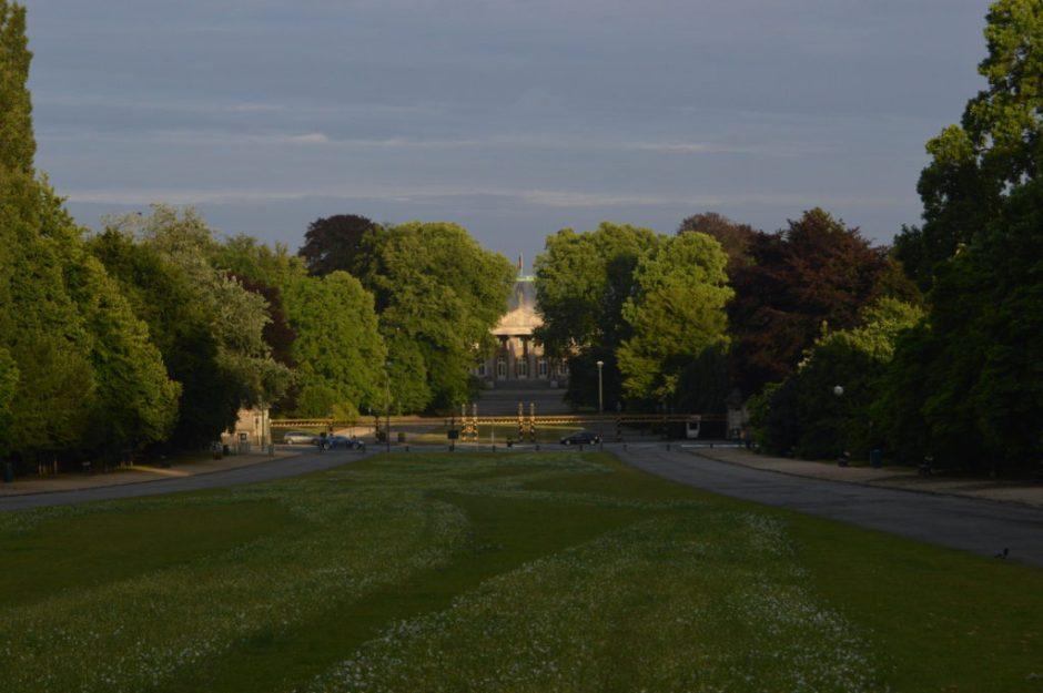 Vista del Palacio Real desde el monumento a Leopoldo I en el Parc de Laeken seis parques para tomar el sol en bruselas - DSC 0049 1024x681 - Seis parques para tomar el sol en Bruselas
