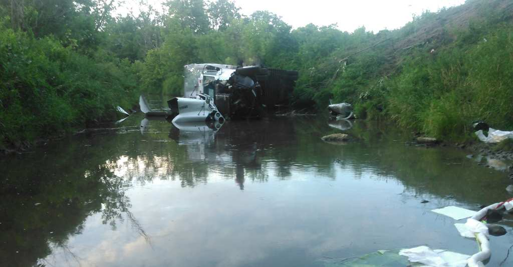 Emergency Spill Response Tractor Trailer