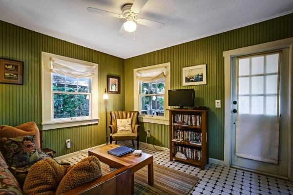 Best Vacation Rental Cottage In Tampa