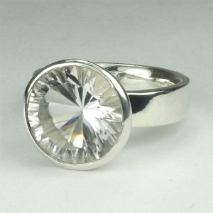 RA110-6 Bergkristall 71 12 mm concav