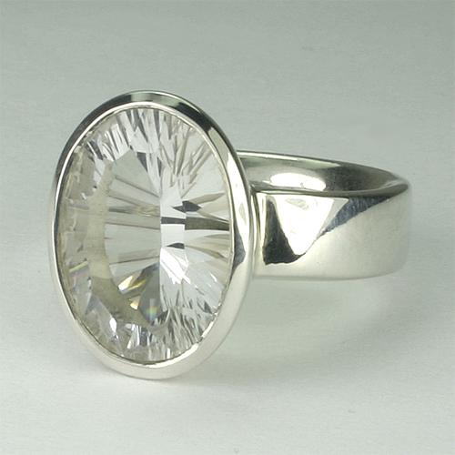 RA110 Bergkristall 64 12x16 mm concav