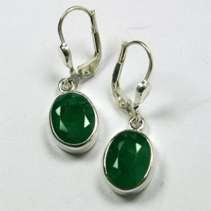 SM151A Smaragd 07 8x10 oval