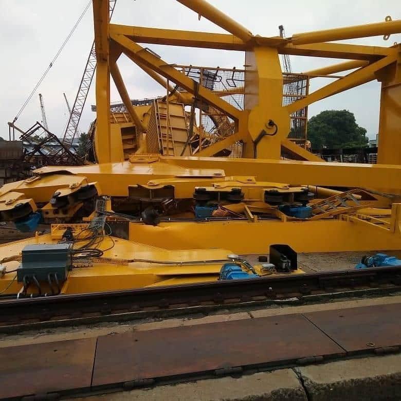 Ινδία : Γερανός κατέρρευσε στα ναυπηγεία Hindustan Shipyard Limited (HSL) την 1η Αυγούστου , σκότωσε δέκα εργαζόμενους