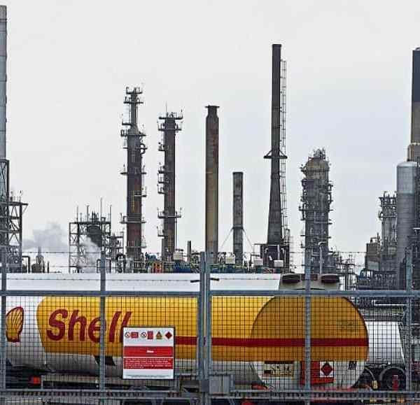 Η Shell θα κλείσει διυλιστήρια και θα μειώσει έως και 9.000 θέσεις εργασίας κατά την μετάβαση σε χαμηλές εκπομπές άνθρακα