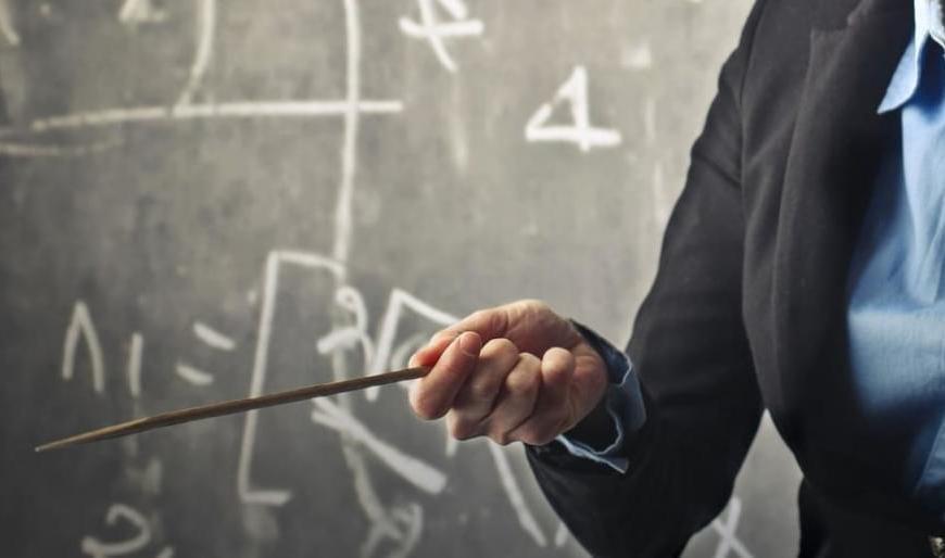 Μαθήματα… «αποφασίζομεν και διατάσσομεν» από πρώην συνδικαλίστρια και νυν Γ.Γ. του Υπουργείου Παιδείας!