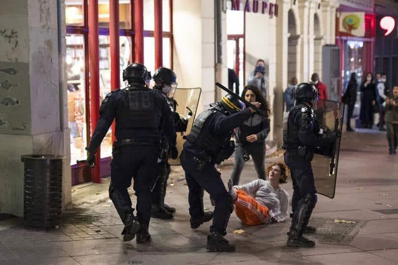 Γαλλία: Νύχτα ταραχών (Εικόνες-Βίντεο)