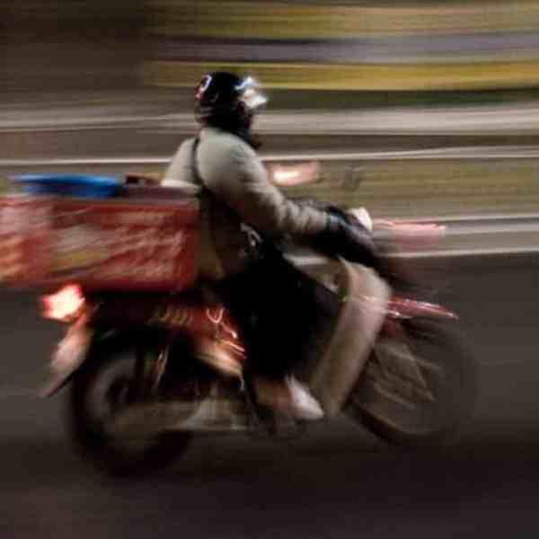 5 εργατικά ατυχήματα με διανομείς φαγητού μέσα σε 10 μέρες