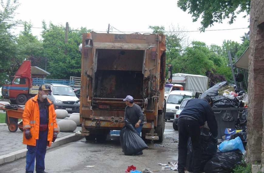 Εργατικό ατύχημα με δημοτική υπάλληλο καθαριότητας