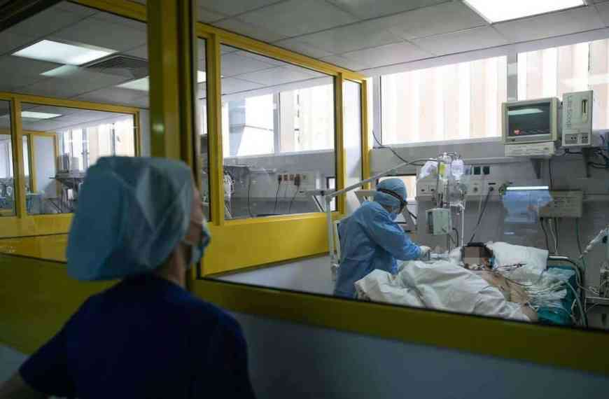 Υπάρχουν 21.000 άνεργοι νοσηλευτές να στηρίξουν το σύστημα