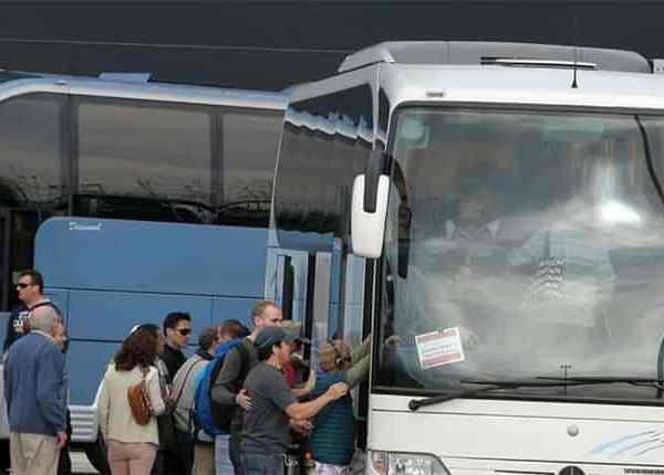 ΟΣΜΕ: Θυμήθηκε η ΓΣΕΕ να συμπαρασταθεί στον αγώνα των οδηγών τουριστικών λεωφορείων Κρήτης