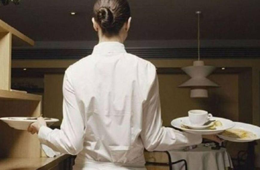 """Εργαζόμενοι σε επισιτισμό-τουρισμό για rapid test: """"Είναι τιμωρητικό – Θα χρησιμοποιηθεί για απολύσεις"""""""