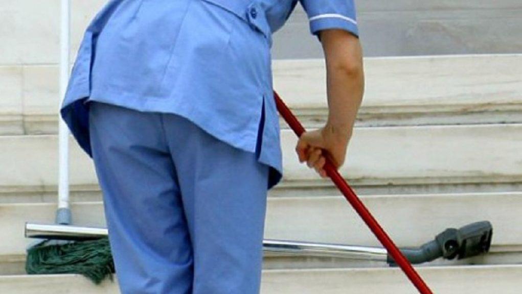 Τραυματίστηκε καθαρίστρια στον Βόλο από πόρτα που έπεσε σε δημοτικό σχολείο