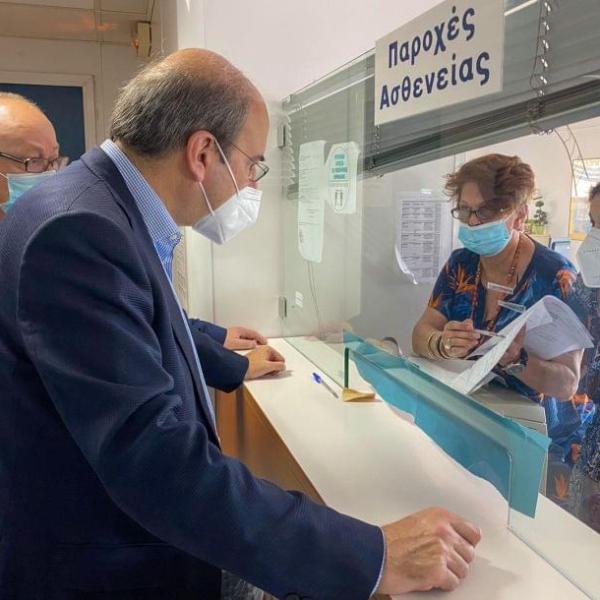 Ο Χατζηδάκης στέλνει στο Πειθαρχικό εργαζόμενους του e-ΕΦΚΑ