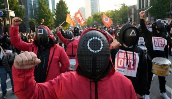 Νότια Κορέα: 500.000 εργαζόμενοι στους δρόμους!