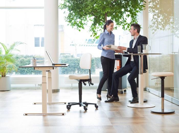 Verschiende Lifthöhen bei ergonomischen Sitzmöbeln