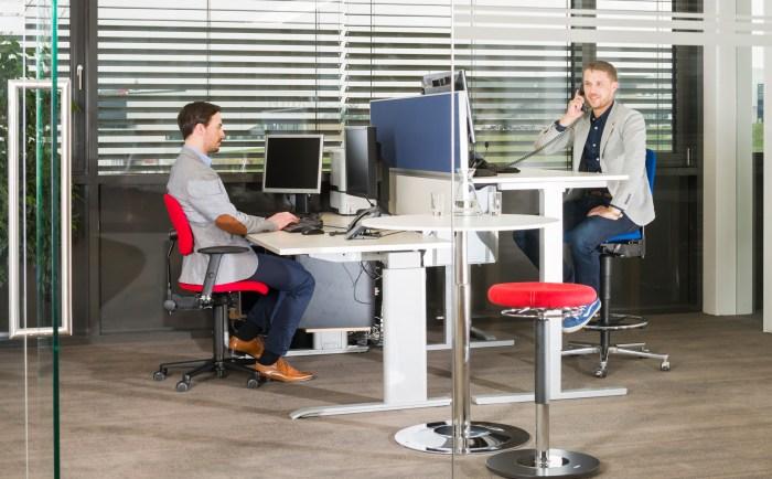 Der LeitnerVario ist ein optimaler Drehstuhl höhenverstellbare Schreibtische
