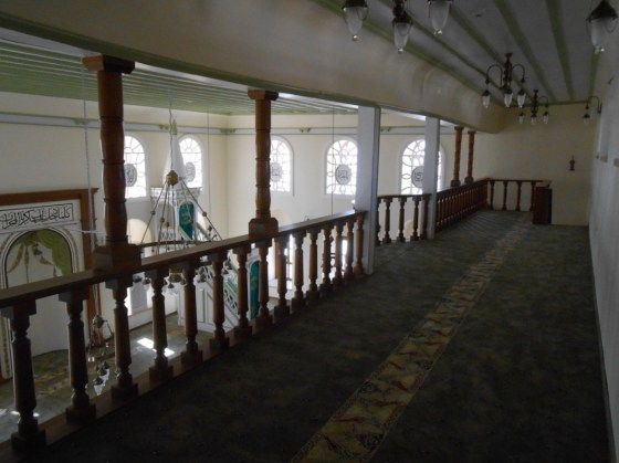 Yapının iskeletini oluşturan ahşap olma özelliğini ve taşıma gücünü yitirmiş tüm ahşap elemanlar yenilenmiştir.