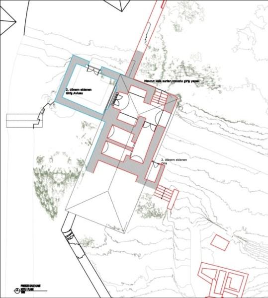 Kale giriş kotu planı-II. Dönem giriş avlusu ve sivri kemerli giriş kapısı eklenmiştir (şekil 10)