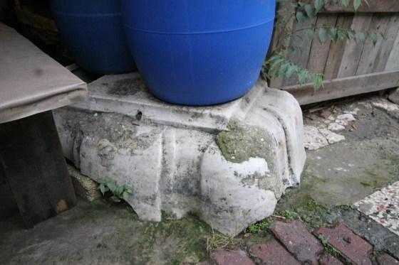 Hamam Bahçesinde bulunan süs havuzu kalıntısı