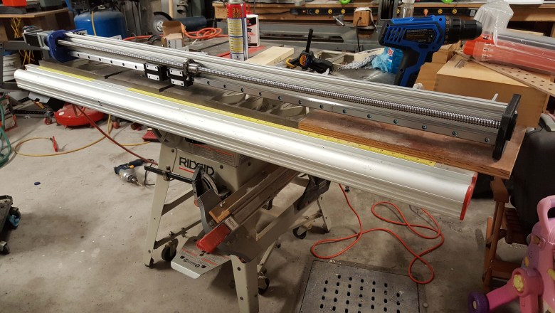 Assembling the Y axis side rails