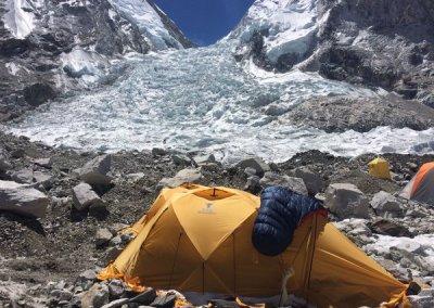 RTV Rijnmond: Eric Arnold vanuit Base Camp Mount Everest (Wakker@Rijnmond 26 april 2016)