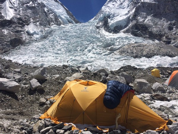 Eric Arnold vanuit Base Camp Mount Everest