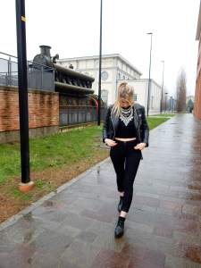 How to wear a total black look1