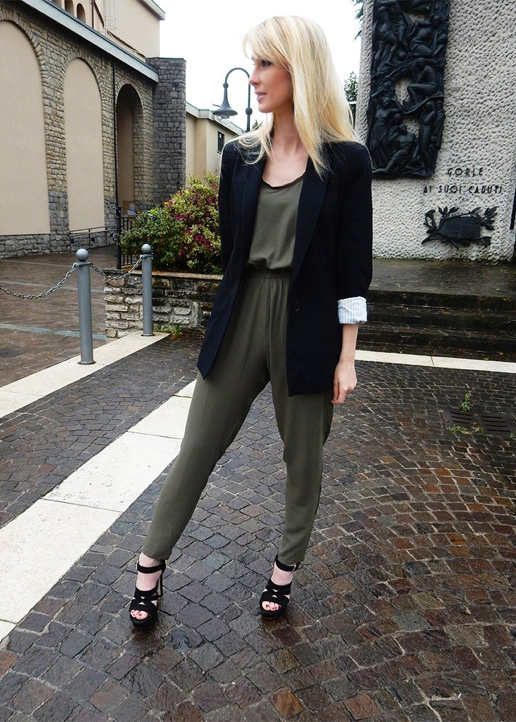 How to wear a jumpsuit with style