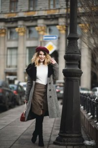 Capsule Wardrobe 101: Winter Business Casual Style Winter is almost around the corner, and this means only one thing – it's about time you made some changes to your wardrobe!