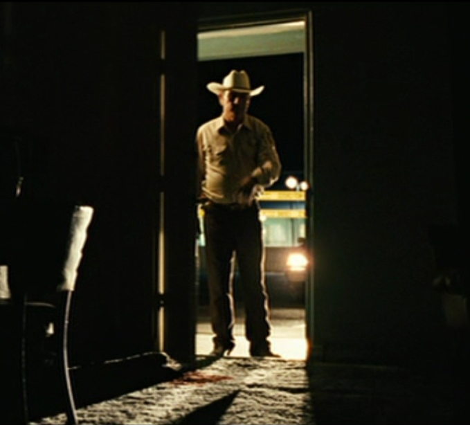 No Country for Old Men Bell and Chigurh and the motel