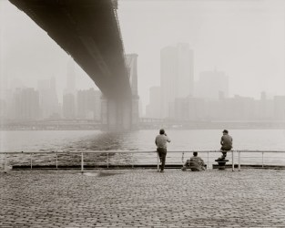Brooklyn Bridge, NY. Lunchtime.