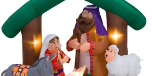 You're a Mean One, Mister Kitsch: More Tacky Nativity Scenes!